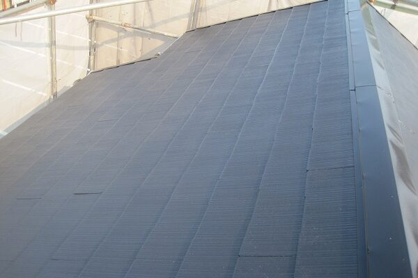 山梨県都留市 屋根塗装 縁切り タスペーサー 下塗り 中塗り 上塗り
