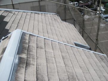 山梨県富士吉田市にて屋根塗装用の現場調査。