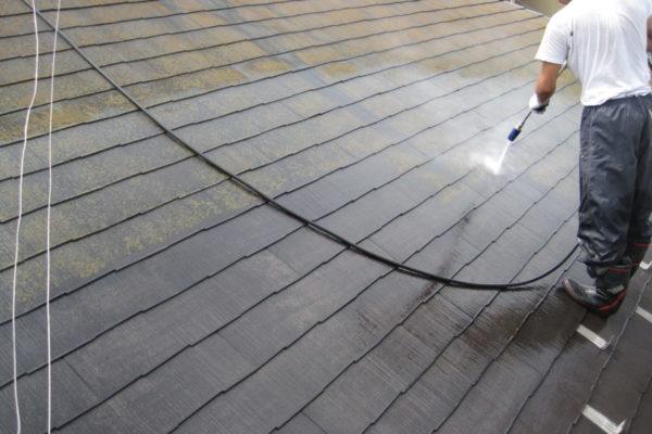 山梨県山梨市 屋根塗装 下地処理 高圧洗浄